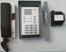 TT94 egylakásos kaputelefon számkóddal, tápegységgel, mágnes-zárral